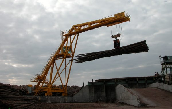 FULGHUM 100ft RADIAL LOG CRANE